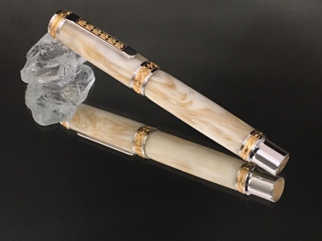 Vintage Cream Swirl Bakelite Pen